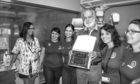 El exjefe de la UCI Neonatal del Hospital Universitario Ntra. Sra. de Candelaria, Santiago López, homenajeado por APREMATE