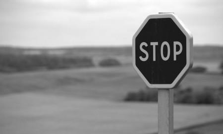 stop-634941_1920-ConvertImage