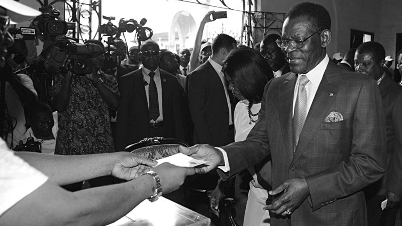 Teodoro-Obiang-elecciones-Guinea-Ecuatorial_119750061_4110244_1706x960-ConvertImage