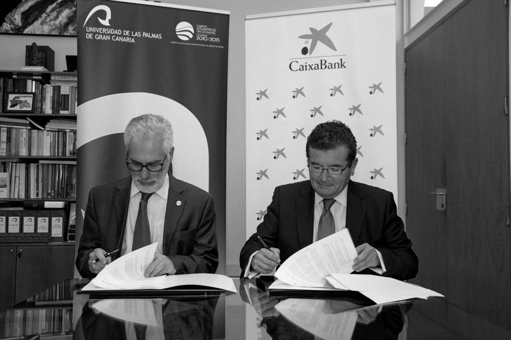 CaixaBank blanco y negro