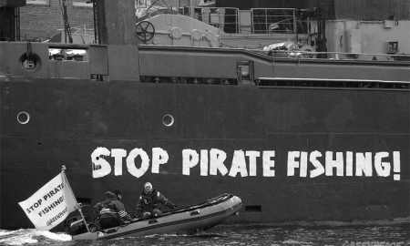 piratas-greenpeace-convertimage