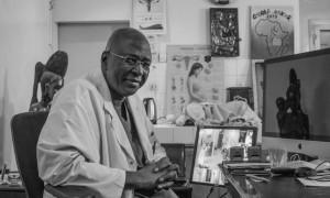 El doctor Diakité, promulgor y director de la clínica Kabala en Bamako (Mali) - María Rodríguez (1)