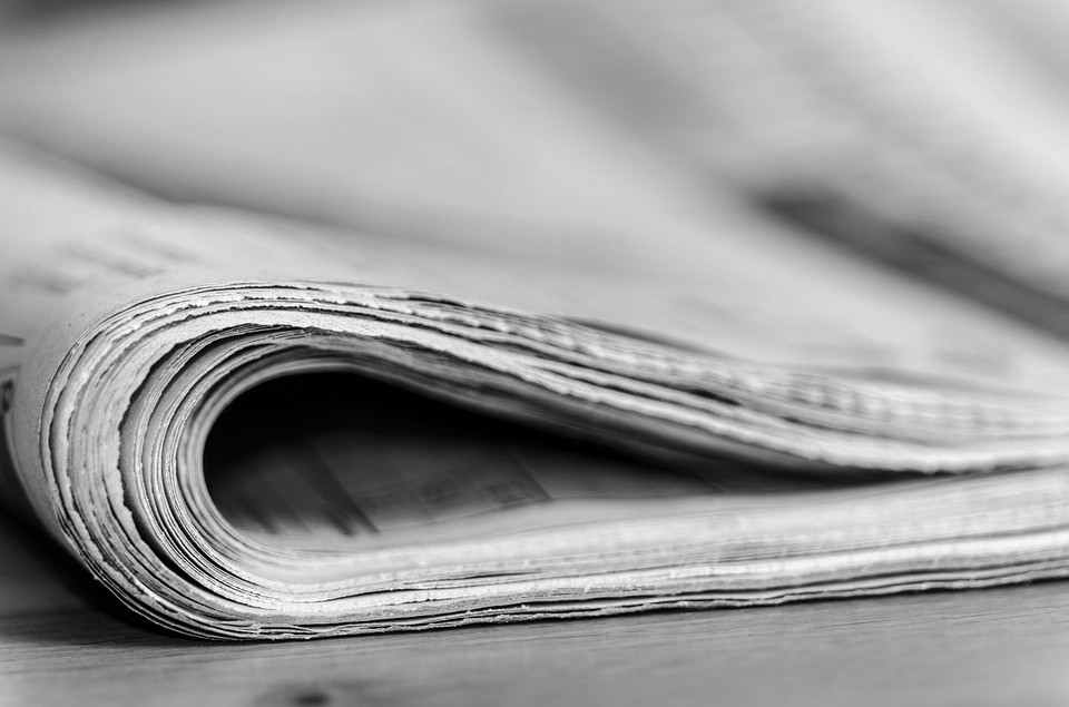 newspapers-444448_960_720