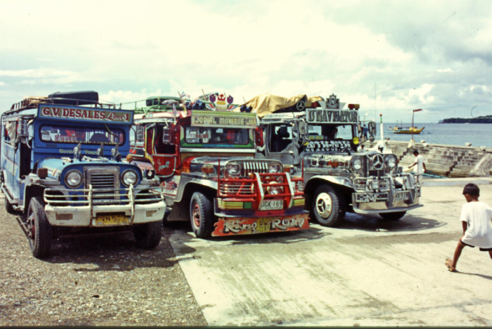 Los jeepneys, transportes populares de las islas