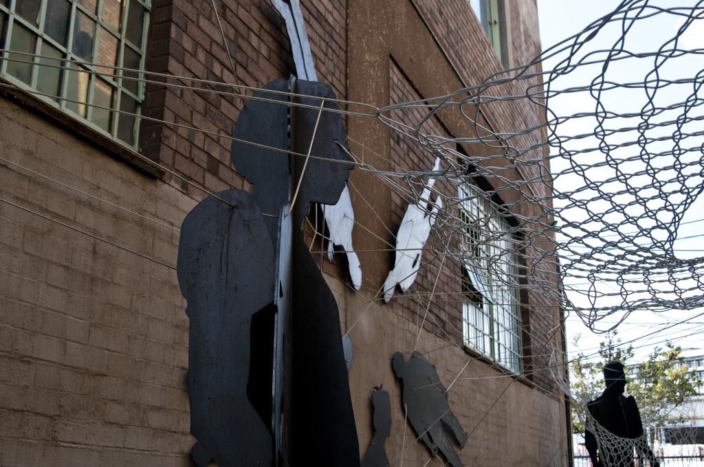 Callejón con obras de arte en Maboneng (Johannesburgo)