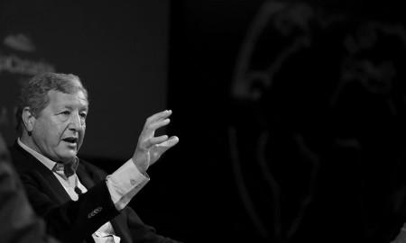 El politólogo argelino y experto en África y migraciones, Sami Naïr, durante su intervención en el foro Enciende la Tierra de Cajacanarias
