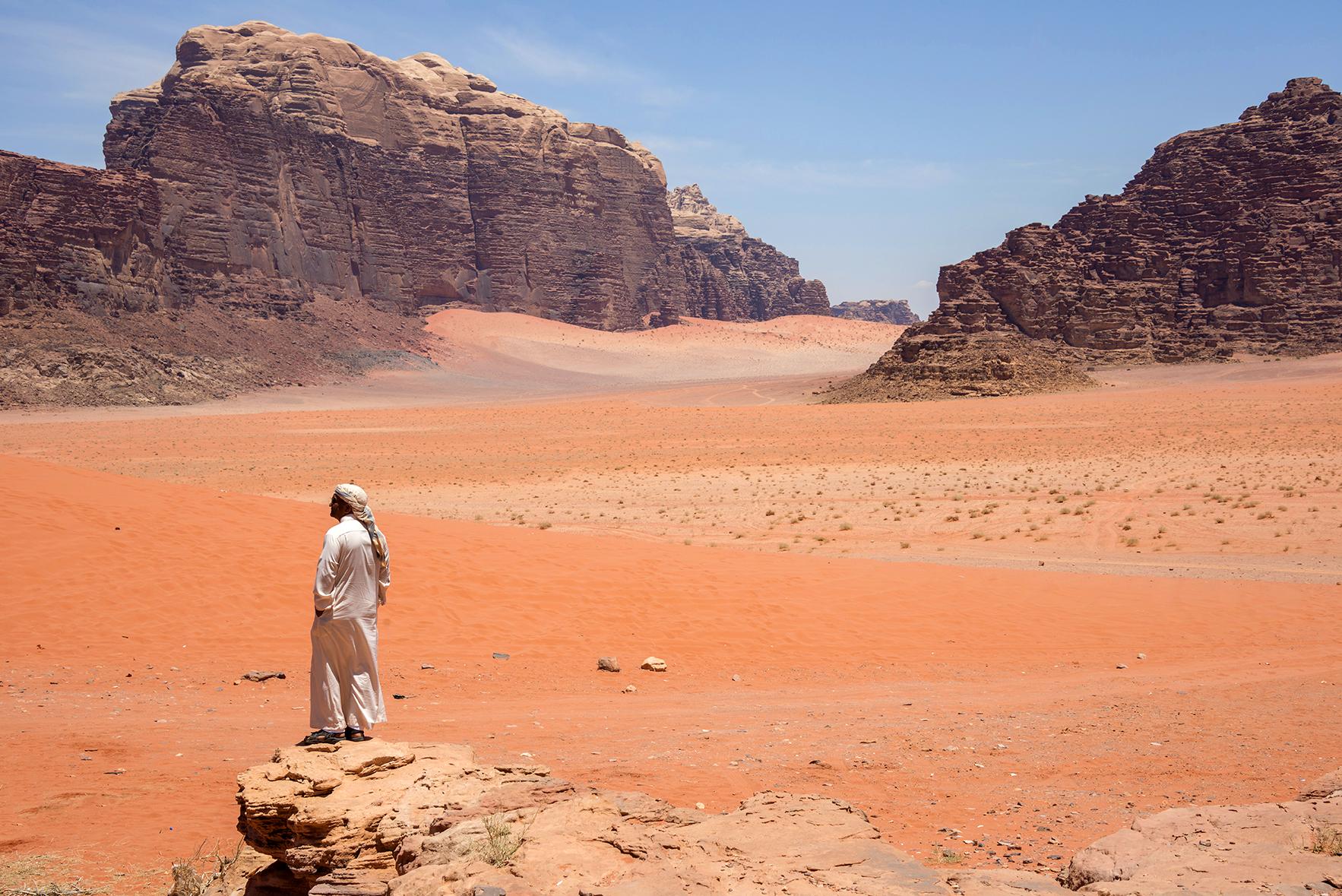 Rojizos y solitarios parajes en el desierto de Jordania