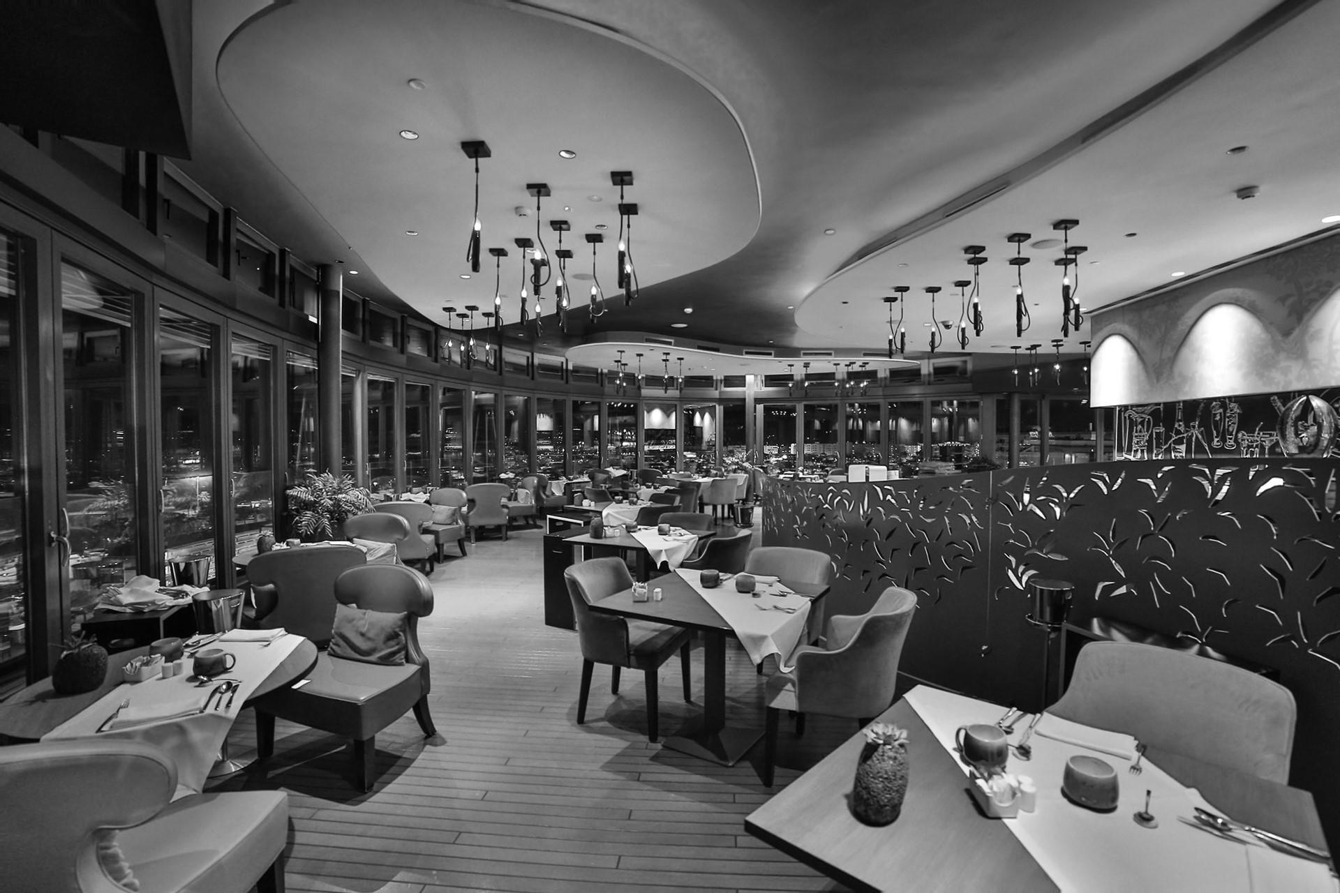 Hotel Bohemia Suites & Spa