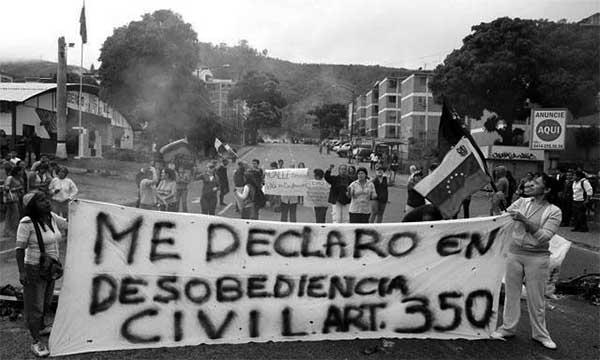 Opositores al Gobierno se manifiestan en las calles de una ciudad venezolana