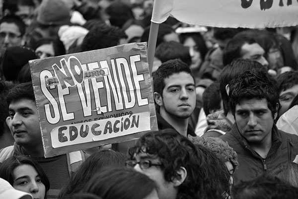 Protesta ciudadana como consecuencia de los recortes en Educación. / WIKIPEDIA