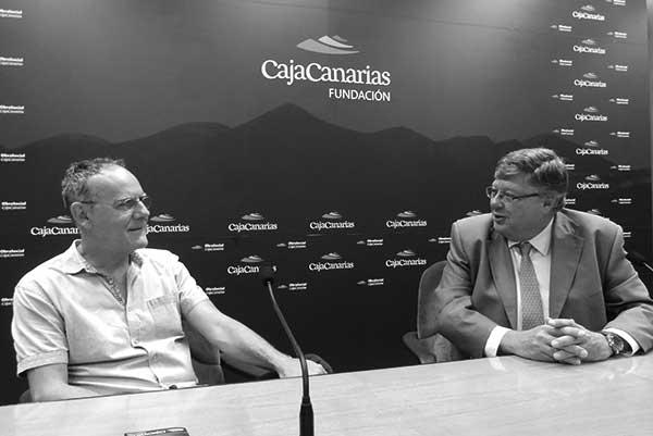 Antonio Mampaso y Alberto Delgado, en una imagen de archivo. / FUNDACIÓN CAJACANARIAS