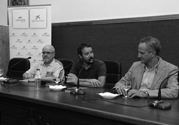 Imagen con participantes en el acto del lunes en la ULL. / CANARIAS3PUNTOCERO
