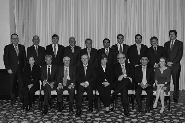 Foto de familia del consejo rector de la APD en Perú. / CANARIAS3PUNTOCERO