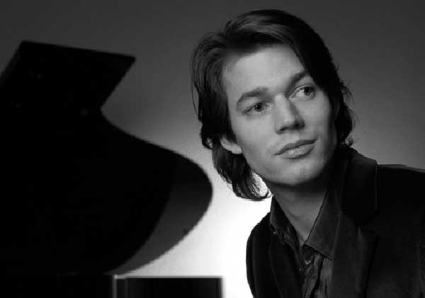 David Fray, pianista galo. / FIMC
