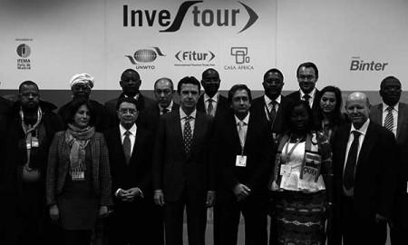 Momento de la inauguración, ayer, de Investour, en Fitur. / CANARIAS3PUNTOCERO