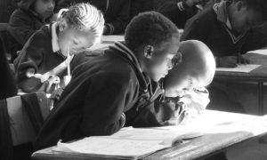 Estudiantes en África