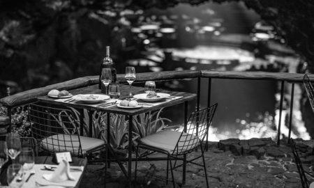 mesa para comer puesta